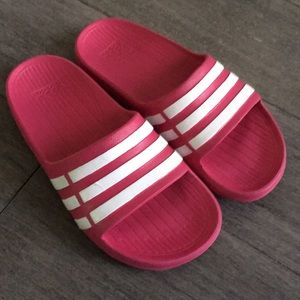 Adidas girls pink slippers 13